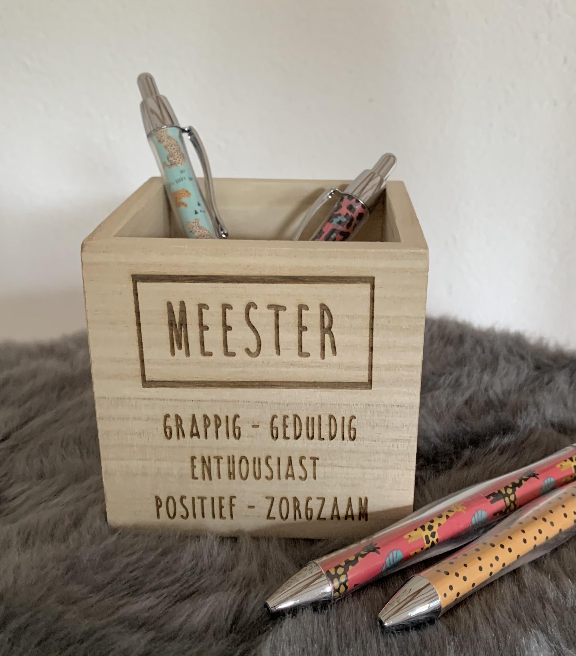 Pennenbakje met eigenschappen